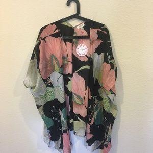 Umgee Sweaters - NWT Umgee floral kimono
